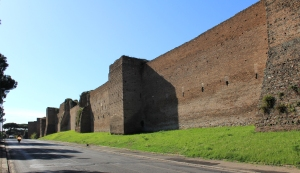 Aurelian_Walls_Rome_2011_1