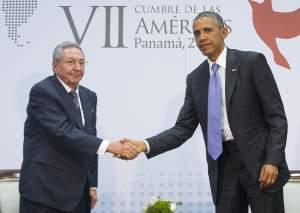 Lo storico incontro tra Obama e Raul Castro al Summit di Panama