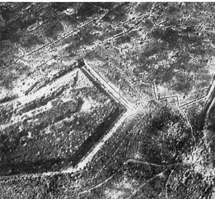 1103px-Fort_Douaumont_Ende_1916